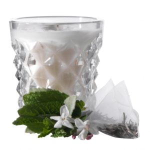 waterford-illuminology-diama-mint-jasmine-candle-024258519190_alt